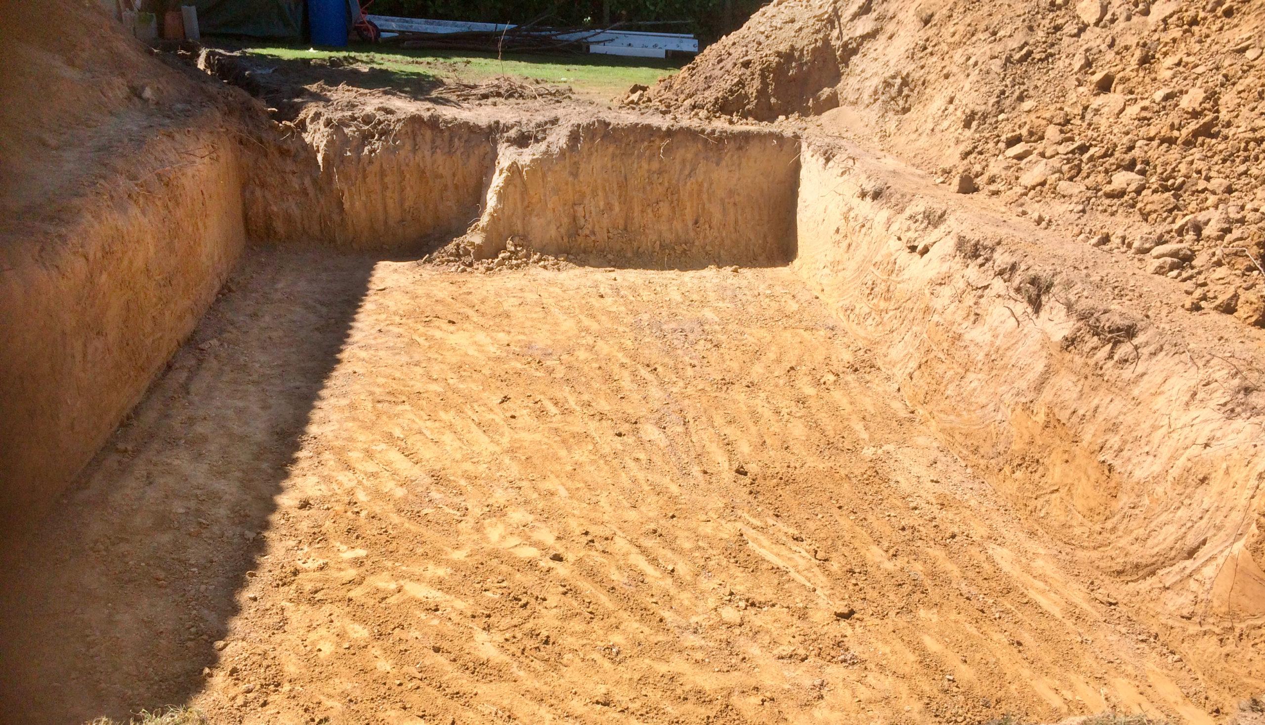 construction de piscine à Libourne - terrassement pour piscine maçonnée